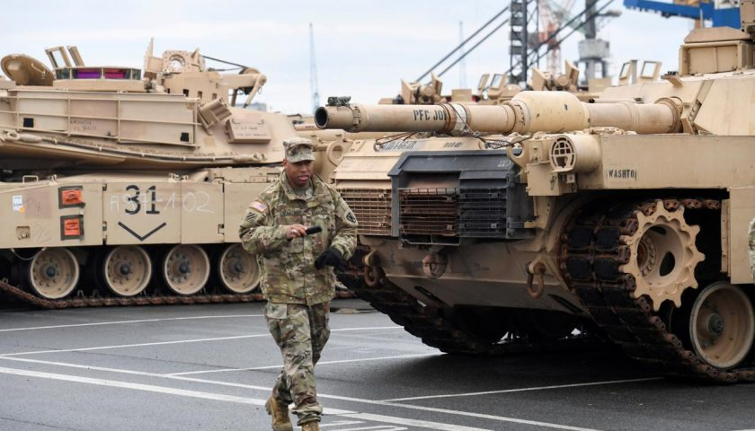 ドイツ国防相は、ヨーロッパでの米国の離脱の可能性について警告して ...